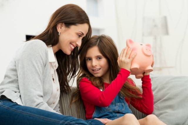 How to Create the Next Generation of Financially Independent Women