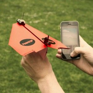 christmas-gift-guide-smartphone-aeroplane