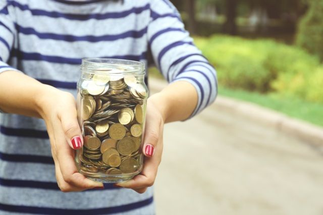 15 Money Habits of Financially Savvy Women