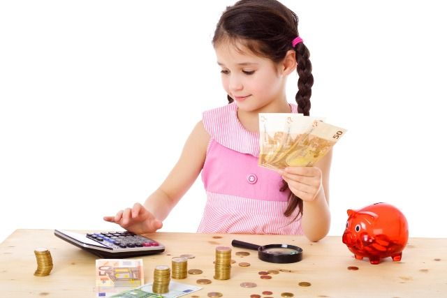 7 Ways To Teach Your Kids About Money